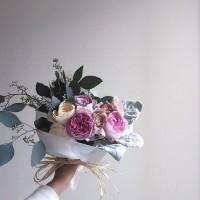 女子の永遠の憧れ「バラ」。贈る時に注意したい、色別の花言葉とは?本数にも意味がある!?の画像