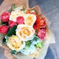 バレンタインに贈る花束は相手に合った色で選ぼう💐の画像