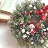 お部屋をパッと明るくする!おしゃれなクリスマスリース特集の画像