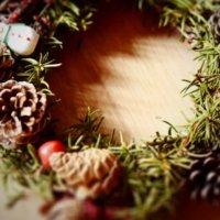 デコレーションには欠かせない!松ぼっくりで彩るクリスマスの画像
