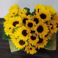 おしゃれなひまわりの花束を贈ろう!組み合わせるのにおすすめの花は?の画像