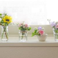 スーパーマーケットのお花とおうちの食器でエンジョイ♬フラワーアレンジ!の画像