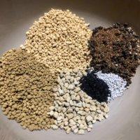 培養土とは|植物別の作り方や使い方は?腐葉土との違いは?の画像
