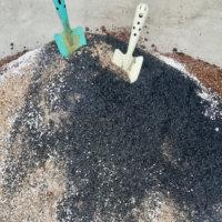 籾殻くん炭とは|効果と使い方や作り方は?pHの調整に使える?の画像